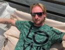 Евгений Плющенко сильно ударился во время катания на водной горке: Видео