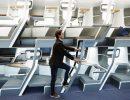 Авиаперевозчикам предложили двухэтажные кресла для защиты от COVID-19