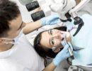 Лечение зубов под микроскопом: какие преимущества дает «оптический помощник»